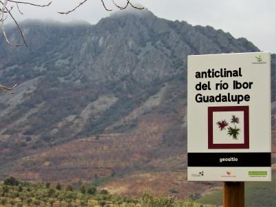Geosite Anticline Ibor-Guadalupe River